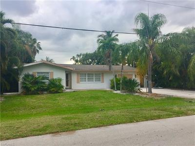 Cape Coral Single Family Home For Sale: 5234 Tower Dr