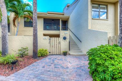 Naples Condo/Townhouse For Sale: 5319 Fox Hollow Dr #408