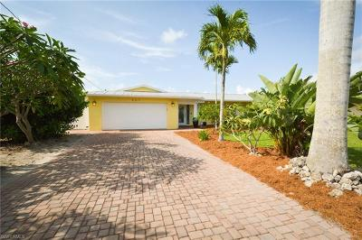 Fort Myers Single Family Home For Sale: 407 Parkway Ct