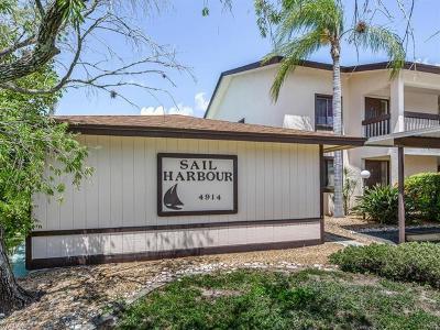 Cape Coral Condo/Townhouse For Sale: 4914 Tudor Dr #202