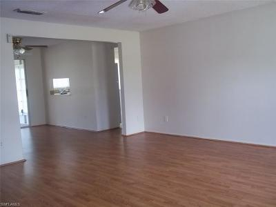 Lehigh Acres Single Family Home For Sale: 10650 Jacatree Ct