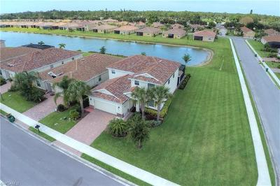 Cape Coral Single Family Home For Sale: 2575 Laurentina Ln