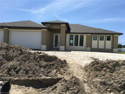 Cape Coral Single Family Home For Sale: 2726 NE 20th Ct
