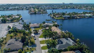 Cape Coral Single Family Home For Sale: 4814 SW 5th Pl