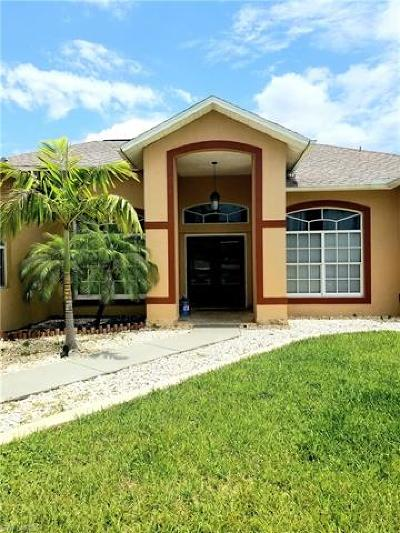 Cape Coral Single Family Home For Sale: 1413 NE 18 Pl