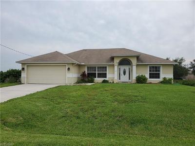 Lehigh Acres Single Family Home For Sale: 167 Pembroke St