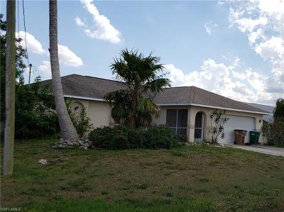 Cape Coral Single Family Home For Sale: 834 NE 11th Ter
