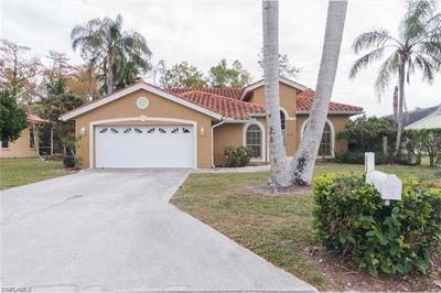 Naples Single Family Home For Sale: 5038 Mabry Dr