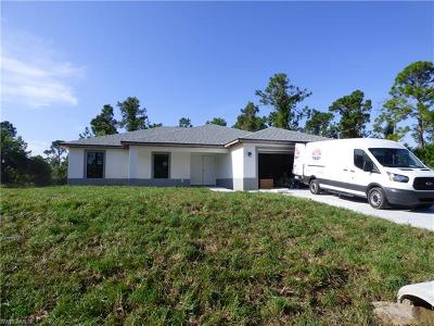 Lehigh Acres Single Family Home For Sale: 2701 12th St W