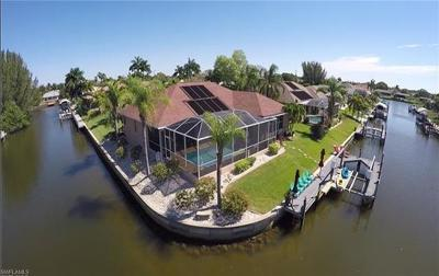 Cape Coral Single Family Home For Sale: 506 SE 30th St
