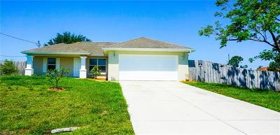 Lehigh Acres Single Family Home For Sale: 1572 Gretchen Ave S