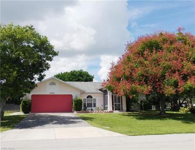 Cape Coral Single Family Home For Sale: 5208 Calusa Ct