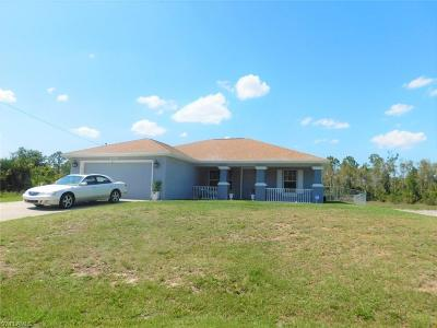 Lehigh Acres Single Family Home For Sale: 405 Hedgewood St