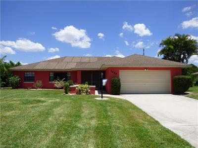 Lehigh Acres Single Family Home For Sale: 1624 Country Club Pky
