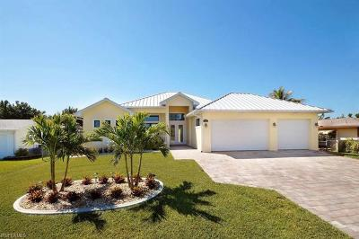 Cape Coral Single Family Home For Sale: 914 El Dorado Pky E