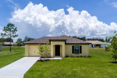 Fort Myers Single Family Home For Sale: 108 Zoboro Cir