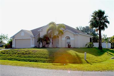 Cape Coral Single Family Home For Sale: 2101 NW 14th Ter