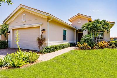 Fort Myers Single Family Home For Sale: 12809 Fairway Cove Ct