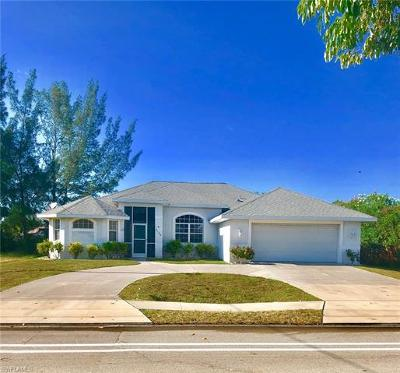 Cape Coral Single Family Home For Sale: 2125 Cape Coral Pky W