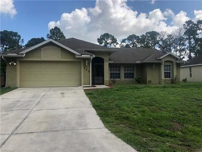 Lehigh Acres Single Family Home For Sale: 713 Foxtail St E
