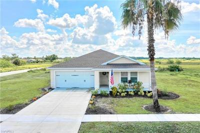 Lehigh Acres Single Family Home For Sale: 261 Richmond Ave S