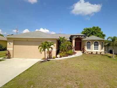 Cape Coral Single Family Home For Sale: 1708 SW 19th Pl