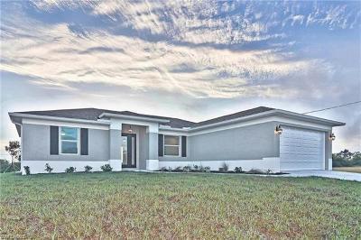 Cape Coral Single Family Home For Sale: 506 NE 15th Ter