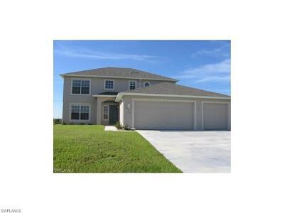 Cape Coral Single Family Home For Sale: 1002 NE 15th St