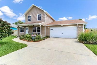 Cape Coral Single Family Home For Sale: 310 SE 6th St