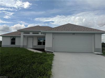 Lehigh Acres Single Family Home For Sale: 155 Peerless St