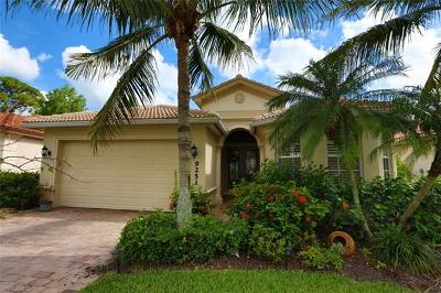 Bonita Springs Single Family Home For Sale: 9251 Spanish Moss Way