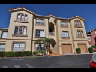 Fort Myers Condo/Townhouse For Sale: 15645 Ocean Walk Cir #116