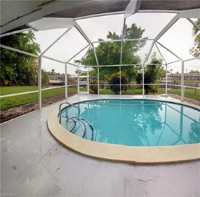 Cape Coral Single Family Home For Sale: 5318 Bayshore Ave