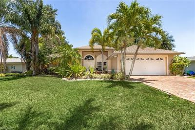 Cape Coral Single Family Home For Sale: 5223 Seminole Ct