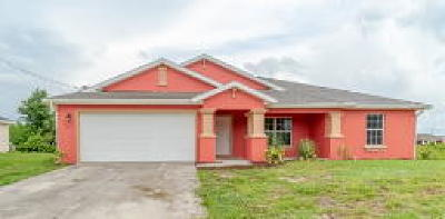 Lehigh Acres Single Family Home For Sale: 436 Rajah St