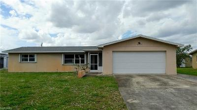 Lehigh Acres Single Family Home For Sale: 224 Lake Dr