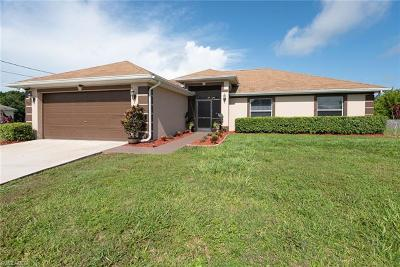 Lehigh Acres Single Family Home For Sale: 1017 Adeline Ave