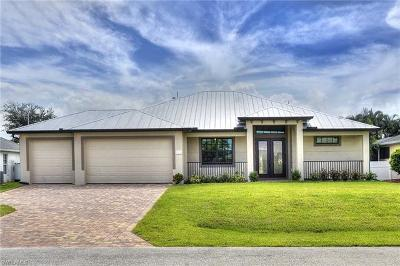 Cape Coral Single Family Home For Sale: 2328 SE 15th Ter