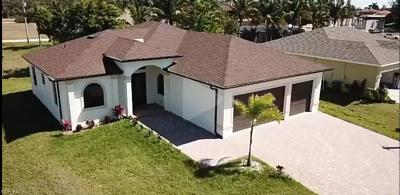 Cape Coral Single Family Home For Sale: 2713 NW 42nd Ave