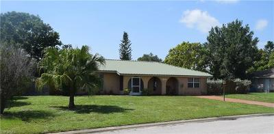 Lehigh Acres Single Family Home For Sale: 1426 Caywood Cir S