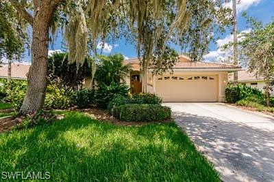 Port Charlotte Single Family Home For Sale: 3236 Village Ln