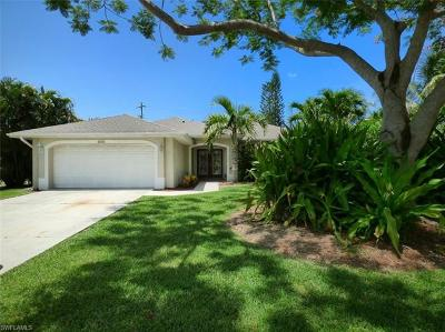 Cape Coral Single Family Home For Sale: 905 SE 29th St