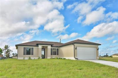 Cape Coral Single Family Home For Sale: 2233 NW 15th St