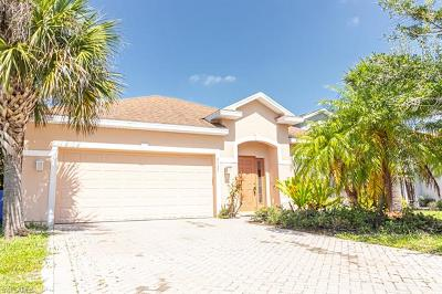 Lehigh Acres Single Family Home For Sale: 8125 Silver Birch Way