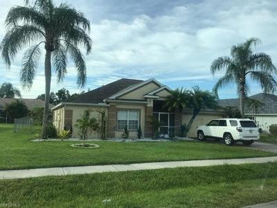 Lehigh Acres Single Family Home For Sale: 1516 Honor Ct