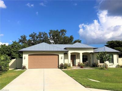 Bonita Springs Single Family Home For Sale: 28089 Sunset Dr
