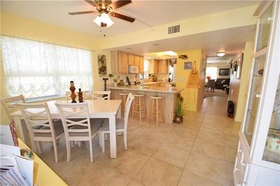 Cape Coral Condo/Townhouse For Sale: 223 SE 15th Pl #106