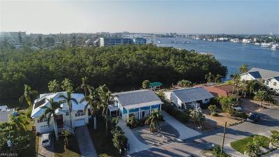 Fort Myers Beach Multi Family Home For Sale: 253 Tropical Shore Way