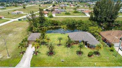 Cape Coral Single Family Home For Sale: 2237 NW 2nd Pl