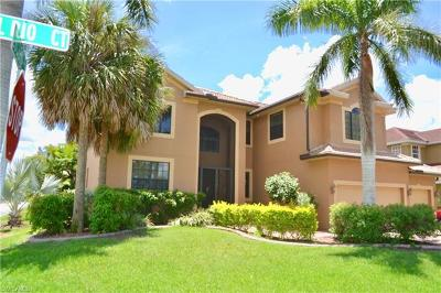 Cape Coral Single Family Home For Sale: 5601 Del Rio Ct